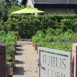 Tor zum sommerlichen Gartengenuss