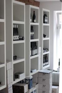 Weinladen links