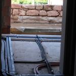 Wasser/Heizungs-, Elektroleitungen sind verlegt
